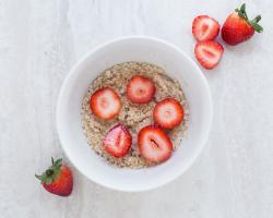 strawberries oatmeal