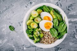 biotin rich foods - egg spinach bowl